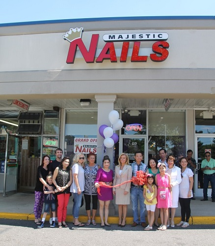 Majestic Nails celebrates grand opening in Hamilton