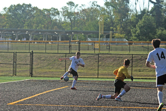 O'Connor, upperclassmen lead HoVal boys' soccer to strong start